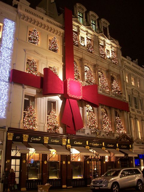 Cartier store, Old Bond Street W1, decorated for Christmas.  Mayfair, London. ENGLAND.      (by Jamie Barras, via Flickr)