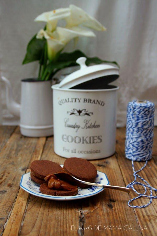Alfajores de chocolate con dulce de leche