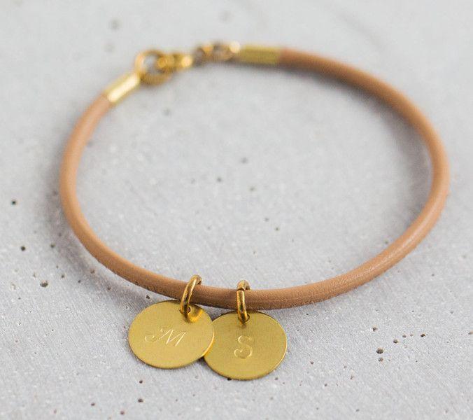 Freundschaftsbänder - Armband   GRAVUR INITIALEN   10 Farben - ein Designerstück von Wishes-of-hearts bei DaWanda