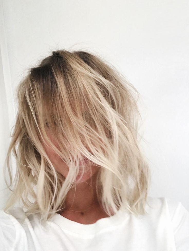 Beach hair / balayage / soft ombre / LOB / Long bob. Via Mija