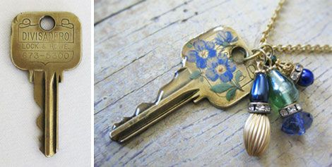 key...: Old Keys, Keys Jewelry, Idea, Charms Necklaces, Decals, Pet Tags, Diy Charms, Crafts Tutorials, Keys Necklaces