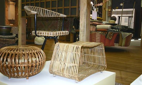 25 beste idee n over bamboe meubels op pinterest bamboe tafel bamboe en bamboe ambachten - Tafel met chevet ...