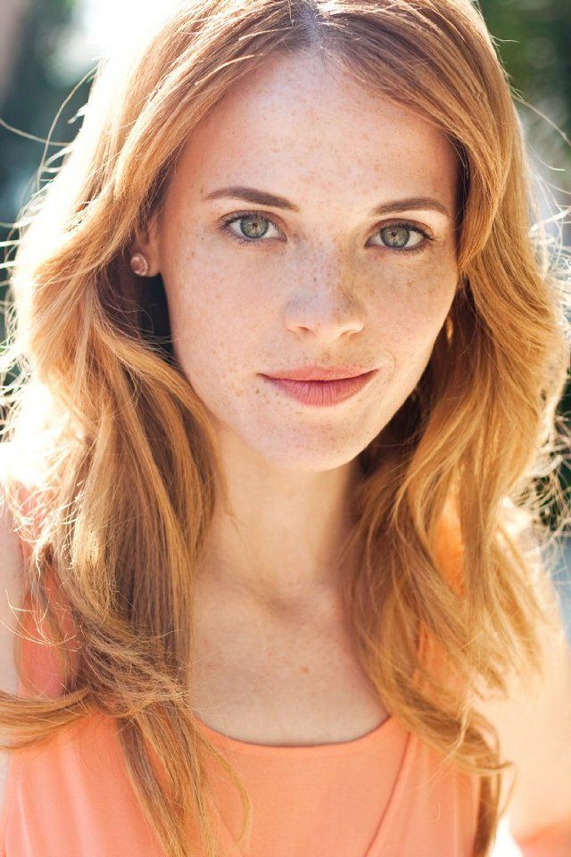 Katie Leclerc (In case you haven't noticed I love red hair and freckles...)