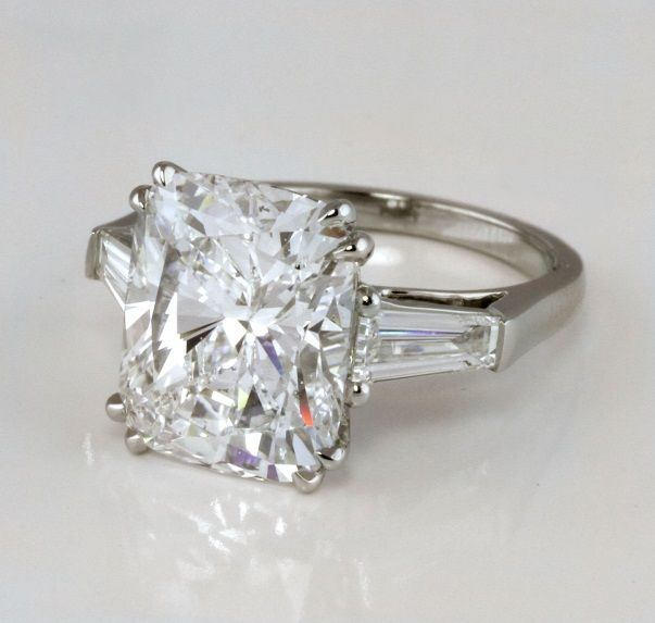 radiant diamond engagement ring | Radiant Diamond Engagement Ring with Baguettes