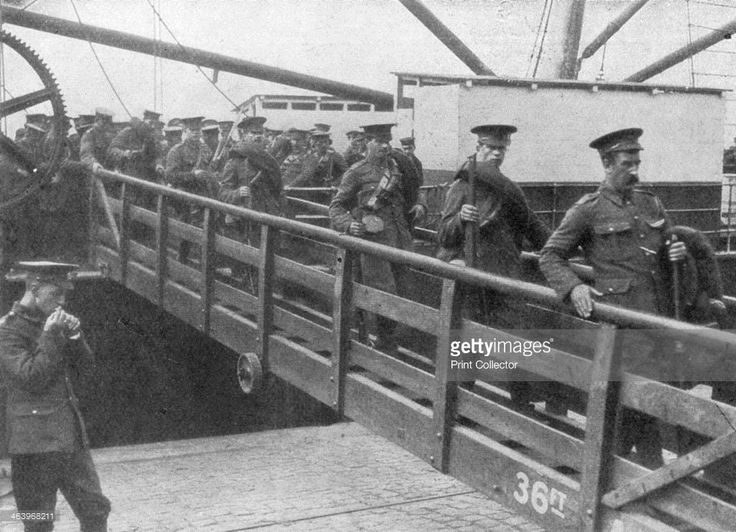 British troops disembarking in France, 7 August 1914. Britain declared war on Germany on 4 August 1914. The first elements of the British Expeditionary Force (BEF) began arriving in France three days later.