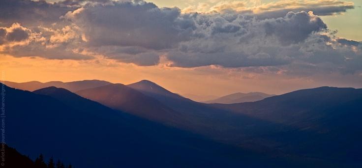 Sunrise in the Carpathian / Рассвет в Карпатах