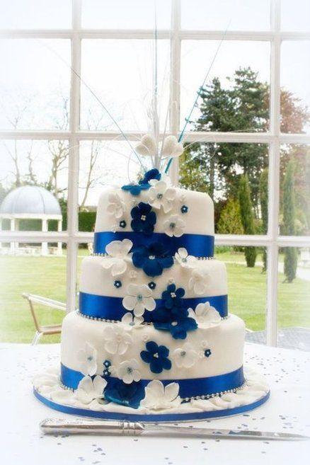 Royal Blue Wedding Cake found on www.cakesdecor.com   Keywords: #royalblueweddings #jevelweddingplanning Follow Us: www.jevelweddingplanning.com  www.facebook.com/jevelweddingplanning/