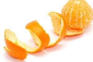 Un remedio casero oriental muy antiguo es el té de cáscara de mandarina, cuyas propiedades saludables hoy son reconocidas en occidente, destacando entre ellas la capacidad para reducir el colesterol y restaurar la salud digestiva. SIGUE LEYENDO EN: http://alimentosparacurar.com/n/6781/remedios-caseros-te-de-cascara-de-mandarina.html