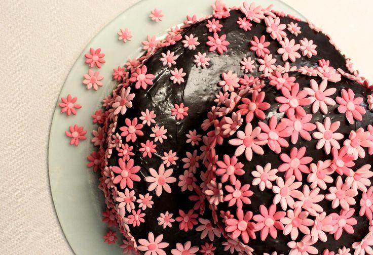 Chocolate & sugar flower sacher torte!