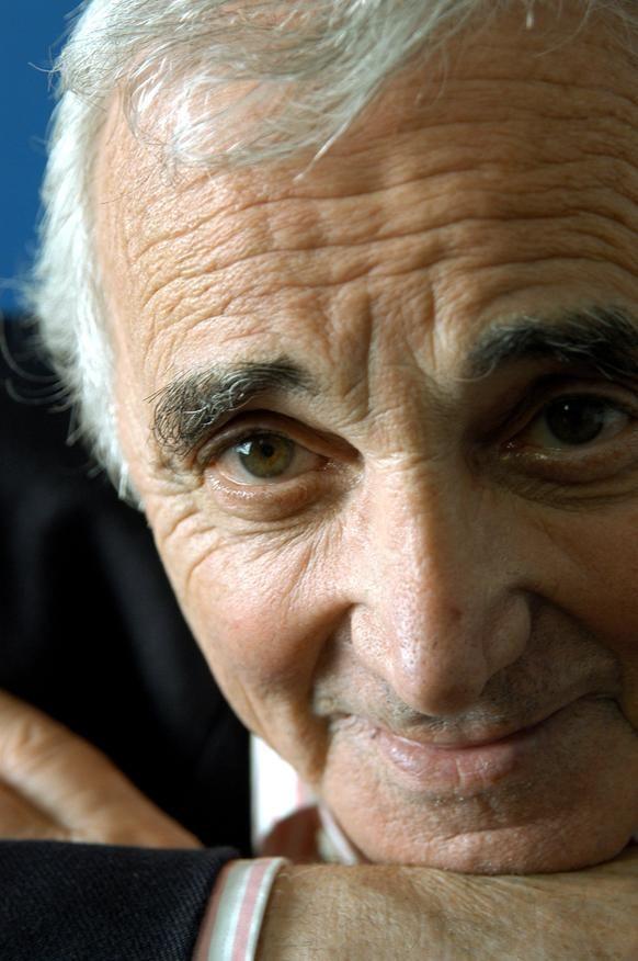 CHARLES AZNAVOUR, 2003 - La galerie photo ParisMatch.com