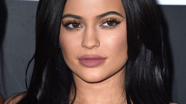 Kylie Jenner, Instagram Troll, Teases Her New Lip Kit ColorAdditions   StyleCaster