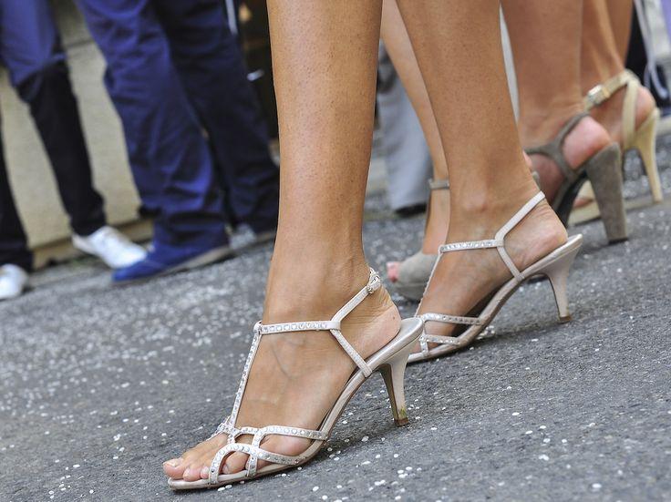 Sandali gioiello, un tocco di glamour per l'estate