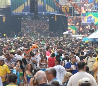 We decided to hit Manhattan before heading to the airport and walked right into the biggest street festival we've ever seen - Brazilian Day Festival...it was amazing. Awesome food, music, shopping...and it was like miles long!!