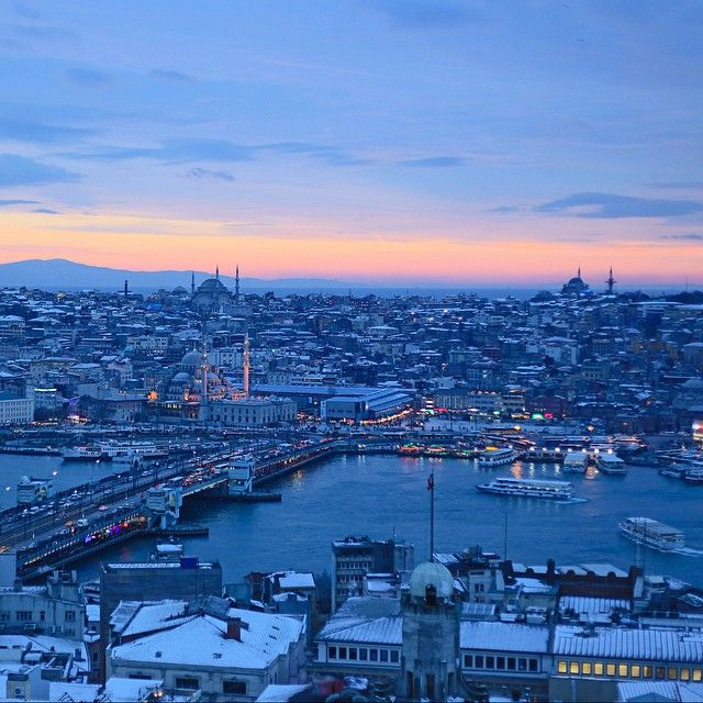 Witness the perks of international travel from @fredrdgz of the Berlin blog, Blue Perk. A painted sunset over Istanbul shot during his stay at Grand Hyatt Istanbul.