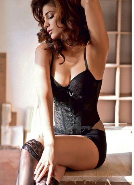 Sruthi Hasan Hot Maxim Photo Shoot  Women, Shruti Hassan -6681