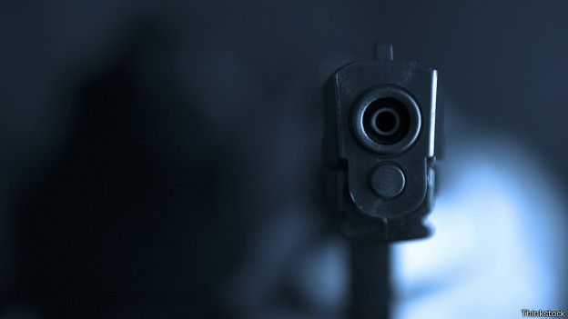 O controle de armas e munições pode ajudar a reduzir as mortes no Brasil? - BBC Brasil - Notícias
