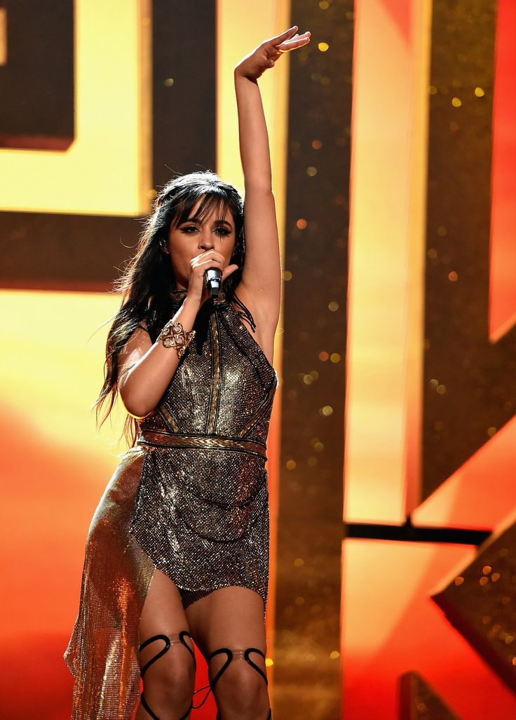 "Camila Cabello performing ""Crying in the Club"" at the 2017 Billboard Music Awards. She slayyy. // @sabaribello"
