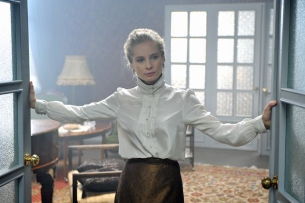W roli pani Dulskiej wcieliła się Magdalena Cielecka ( fot. Jan Bogacz)