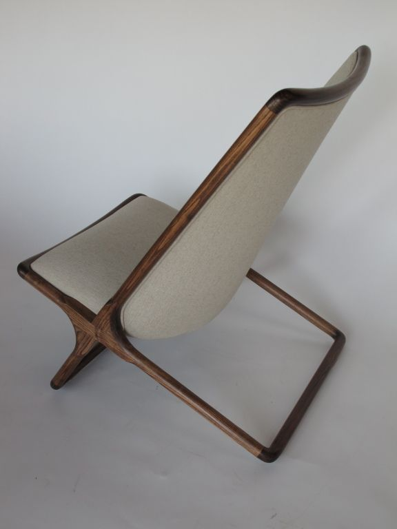 A Pair of Ward Bennett Scissor Chairs in Natural Linen image 5