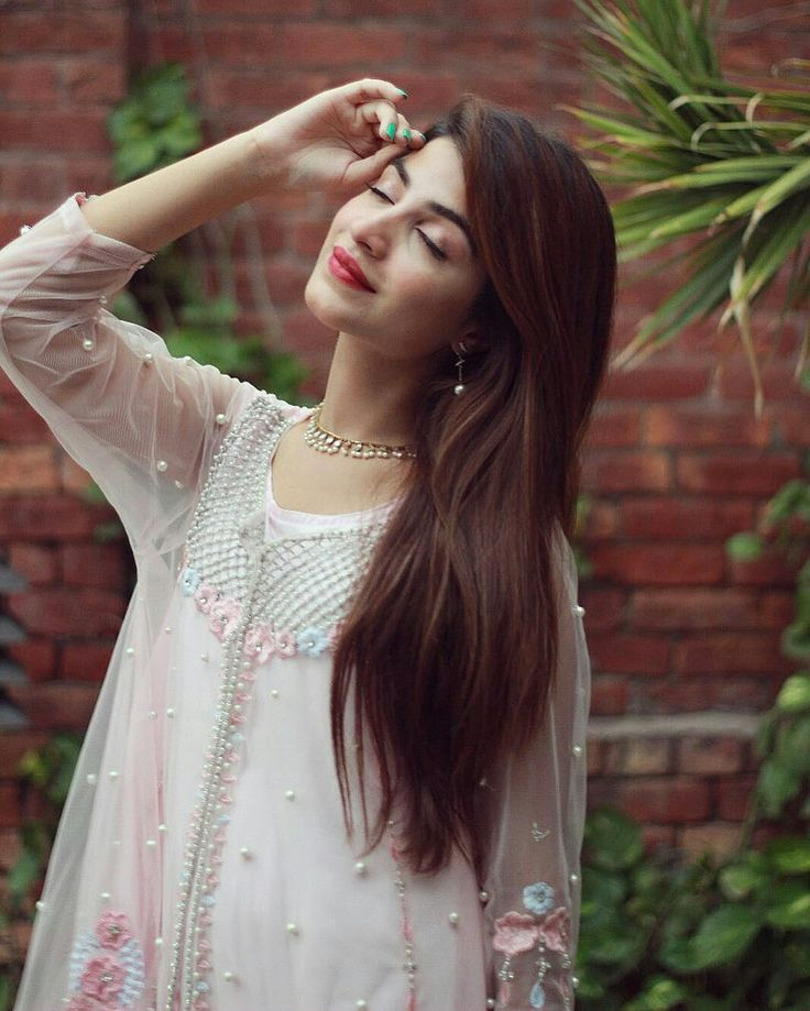 HQ pictures images Kinza Hashmi
