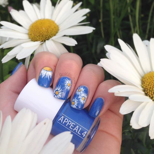 My nails are ready for a party!  The lovely blue base is @appeal4 108 Baby blue eyes. This one was actually sent to me as a surprise from the beloved @lemcked  #blue #nails #appeal4 #a4 #gift #bluenails #nailart #nailartwow #nailart #weloveyournailart #nordic #bellis #marguerite #summer #summernails #motd #notd #cute #simple #girly #nailinspo #staypolished #polish #nailpolish