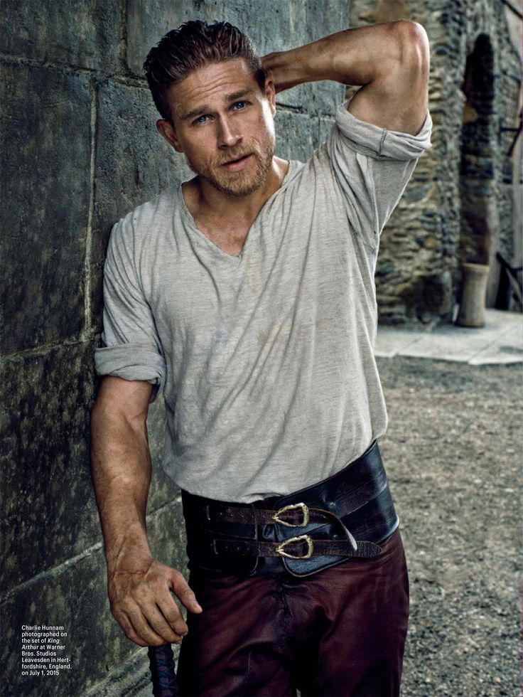 Oh...my....god.....Charlie is hunnam is so hot