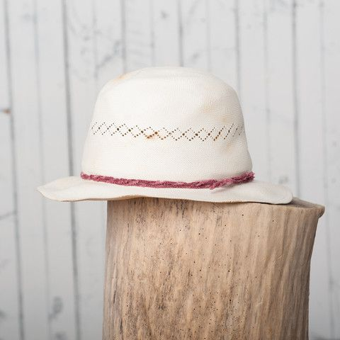 The Aloha Hat | Natural Straw w/ Red Dots – 18 Waits