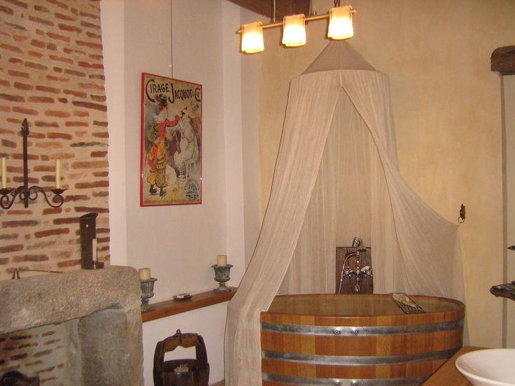 la ballonge tr s agr able pour un bain en amoureux un verre de champagne et la chemin e. Black Bedroom Furniture Sets. Home Design Ideas