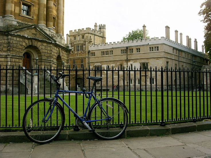 Resultados de la Búsqueda de imágenes de Google de http://cityguidesblog.com/files/A_Bicycle_in_Oxford.jpg