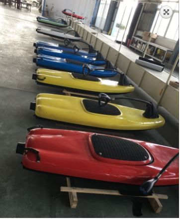 Electric jet board to enjoy plain water surfing with the help of a built-in motor on your board. Its lightweight carbon - fibre composite makes it work fast. Its powerful electric jet is environmentally friendly and really intuitive to use #surftekelectricsurfboard #motorizedjetboards #jetsurfboards #jetpacks #surfboards #ridethewave