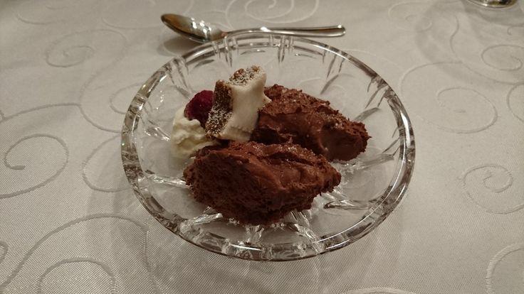 Mousse au chocolat, ein gutes Rezept aus der Kategorie Dessert. Bewertungen: 612. Durchschnitt: Ø 4,6.
