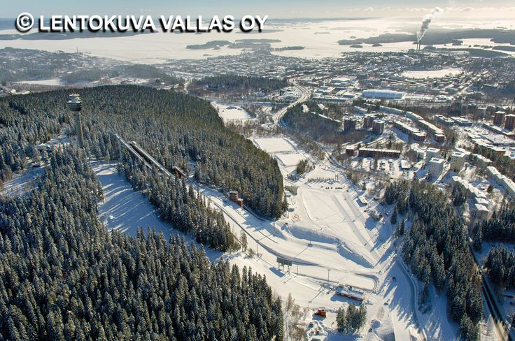 Puijon hiihtokeskus talvella Ilmakuva: Lentokuva Vallas Oy