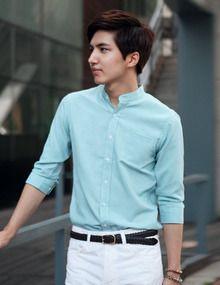 Today's Hot Pick :チャイナカラーオックスフォードシャツ(7分袖) http://fashionstylep.com/SFSELFAA0011596/top3666jp1/out スタンダードなデザインのオックスフォードシャツです。 キレイな色みとデザインが大人男子のスマートな着こなしを演出します。 どこにも合わせやすい、マルチアイテムなので、年齢層幅広く人気アイテム。 ベーシック系の5色展開で、お好みで選べます。 ◆5色:ミント,ホワイト,レッド,スカイブルー,チャコール