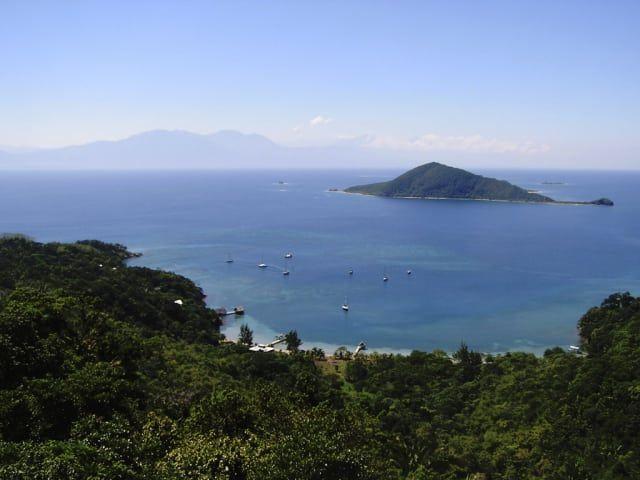Viele denken an Costa Rica und Nicaragua, wenn sie an Zentralamerika denken. Doch auch Honduras ist inzwischen ein beliebtes Reiseziel für Low-Budget-Touristen auf der Suche nach neuen Zielen geworden. Zum Glück ist das Reisen hier sehr erschwinglich — hier ist ein Überblick über die typischen Preise. Unser Favorit: Ein gutes landestypisches Essen kostet etwa 65 Lempira, das sind ungefähr 2 €. Gekauft!
