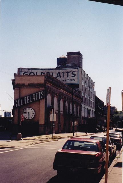 Goldblatt's Uptown Chicago - Broadway & Lawrence by Mark 2400, via Flickr