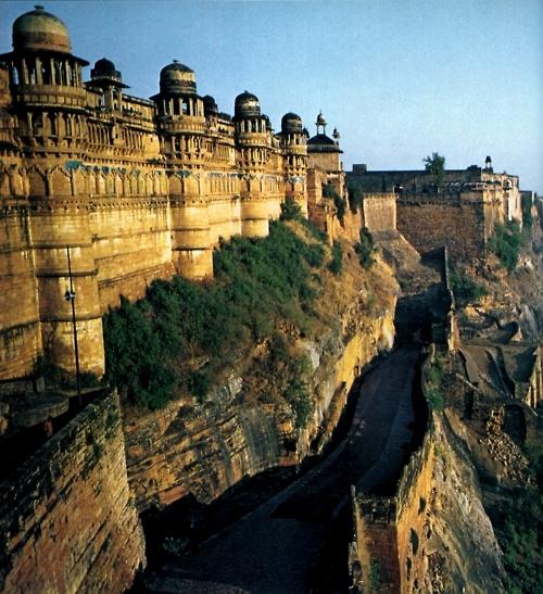 Package tour to Wonders of Madhya Pradesh Gwalior Fort, Gwalior, Madhya Pradesh, India #samsantravels #PackagetourtoMadhyaPradesh