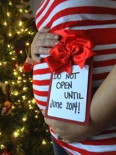 Christmas Pregnancy Announcement | J Pentecost Photography  @Laura Jayson Barker