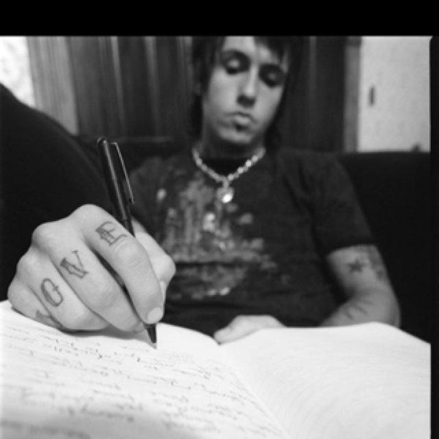 Jacoby Shaddix's knuckle tatts.