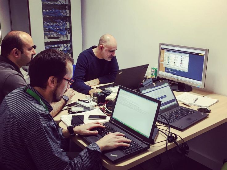 Día de pruebas en Azure con el IoT Team. #proface #schneiderelectric #scada #programming #logic #hmi #development #software #scripting #stormtrooper #industry40 #IoT #engineering #coding #developer #automation #projects #industry #technology #computerscience #softwareengineering #workspace #azure #microsoft #microsoftazure #connectivity #node #nodejs #csharp