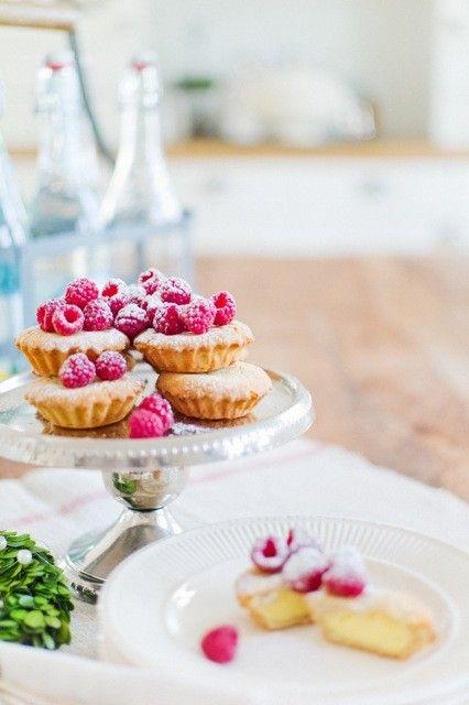 romantic table.Health Desserts, Raspberries Tarts, Minis Pies, Cupcakes, Lemon Tarts, Sweets Treats, Custards, Food, Mini Pies