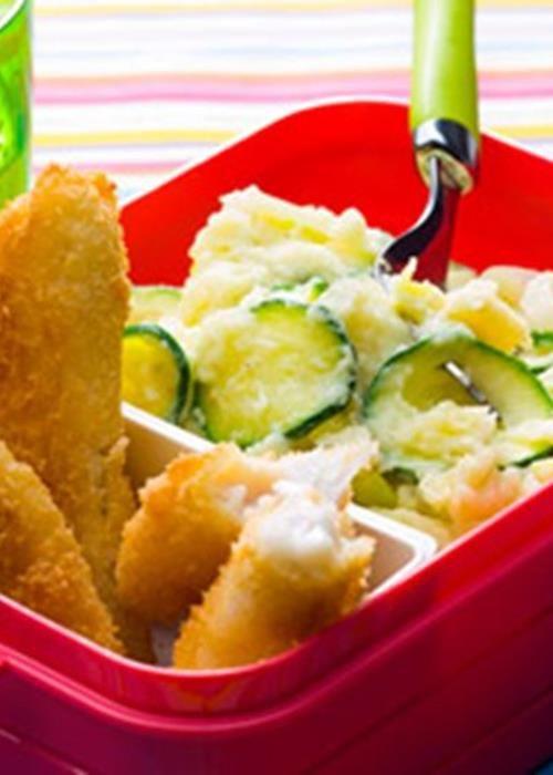 """""""Fingers"""" de pescada com puré de batata e curgete"""