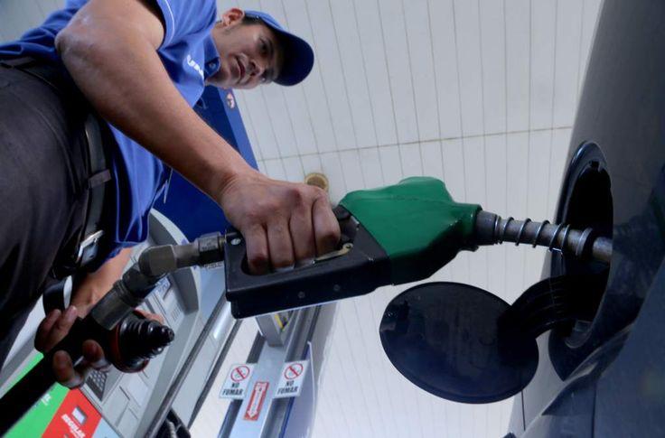 Honduras: Galón de gasolina no superará los cien lempiras durante 2017, La ley de comercialización velará por las exigencias de calidad. Foto: Amílcar Izaguirre