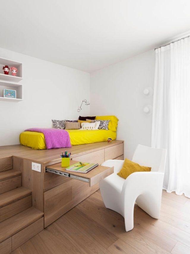 Kinderzimmer einrichtung ideen modern Podest-Gestaltung ausziehbarer-Schreibtisch Susanna-Cots