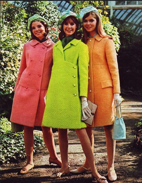 fashion in the 60s essay Fashion in the 1950s varied greatly from the beginning to end maybe not quite as extreme as the '60s, 1950s fashion saw the introduction of many new styles as well.