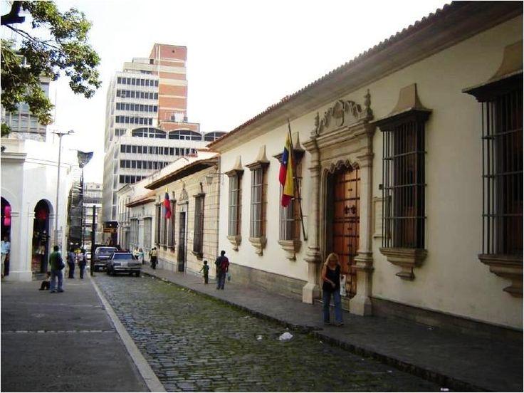 La Casa Natal de Simón Bolívar es el sitio de nacimiento del Libertador Simón Bolívar, hecho ocurrido en el año 1783, y se localiza en la Parroquia Catedral de Caracas. Actualmente el lugar cumple las funciones de museo