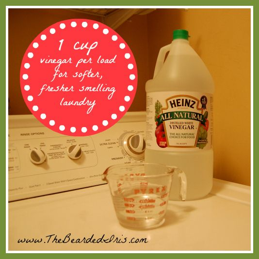 A little vinegar goes a long way! / 30 Squeaky-Clean Laundry Hacks (via BuzzFeed)