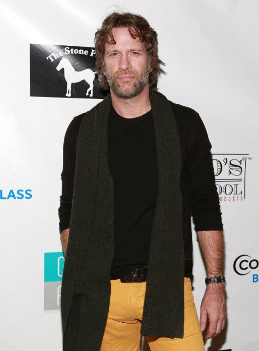 Thomas Jane. Thomas was born on 22-2-1969 in Baltimore, Maryland as Thomas Elliott. He is an actor, known for The Mist, Deep Blue Sea, Dreamcatcher and Face/Off.