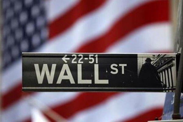 SOLID GOLD BERJANGKA JAKARTA - Komoditas saham Wall Street dikoreksi tiga hari berturut-turut. Saham perusahaan teknologi kelas