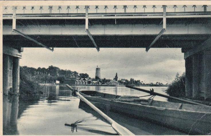 """Gyopárosfürdő a """"Sóhajok Hídja"""" alól fotózva"""