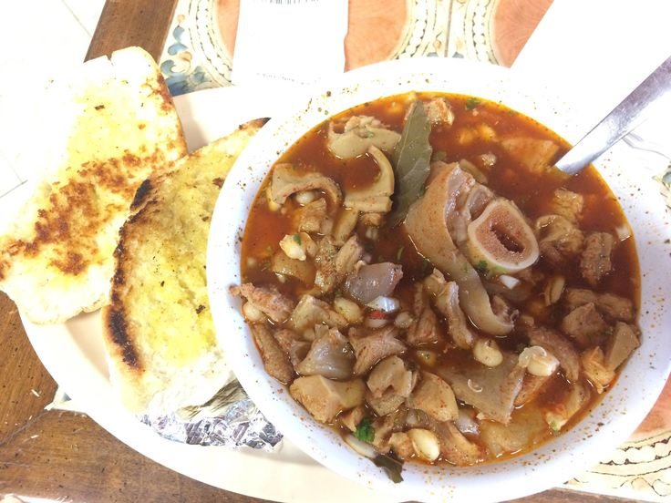 [I ate] Menudo con pata the mexican hangover cure! (Beef tripe soup with Hominy and simmered pig's foot)